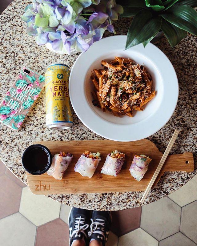 Puedo venir 2 horas a Tuxtla y al mismo tiempo desayunar, comer, echar el cafecito y cenar en _quieretetux 🙊 #healthylicious Les haré reseña