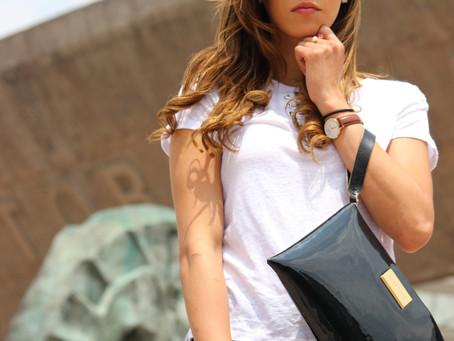 #StreetStyle: White t-shirt Black Jeans.
