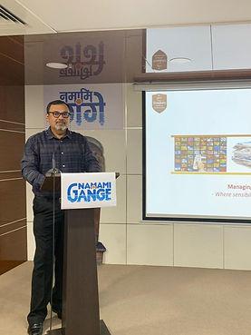 Devdarshan conducting a messaging workshop