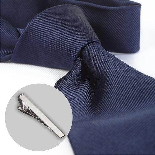 Marine blå slips og klemme i gaveæske