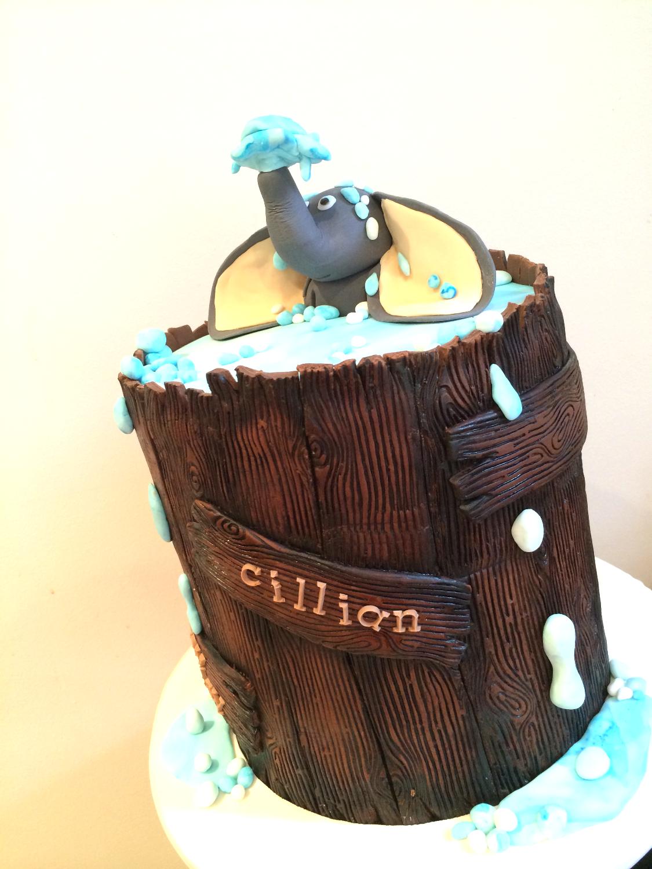 Elephant in a water barrel cake