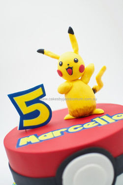 Pikachu Pokemon Ball Cake