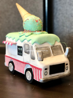 moving Ice cream truck birthday cake