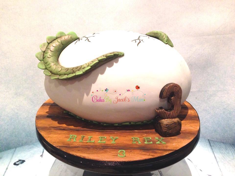 3D Dinosaur egg birthday Cake