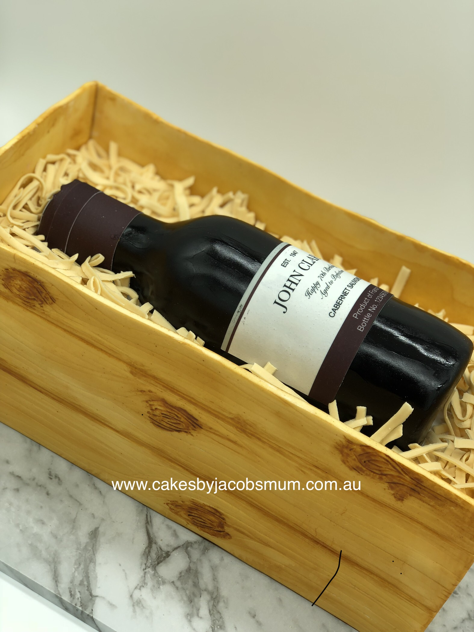 3D Personalised Wine Crate cake