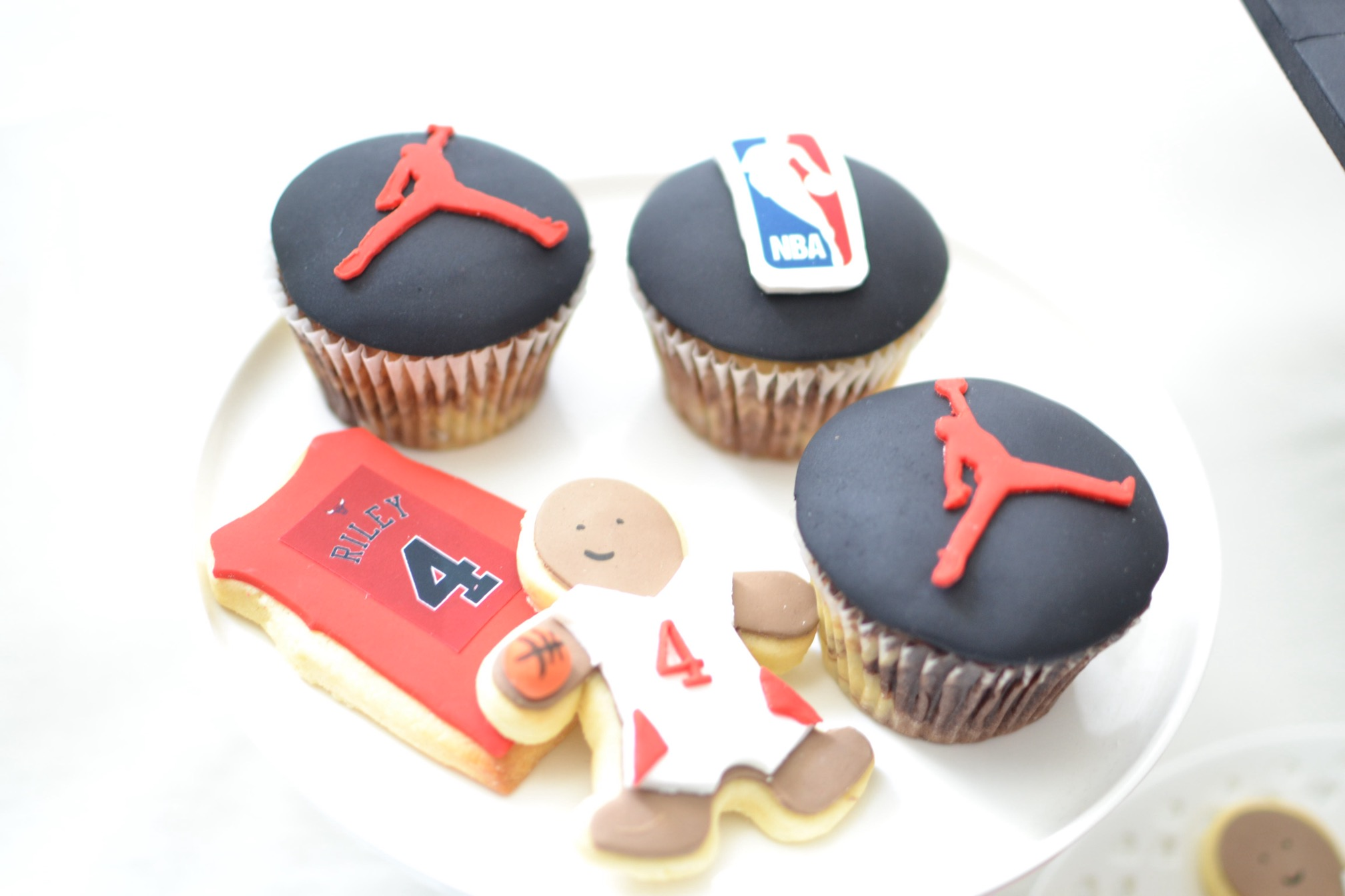 Basketball cupcakes and Cookies