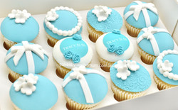 Tiffany & Co fondant 40th birthday cupca