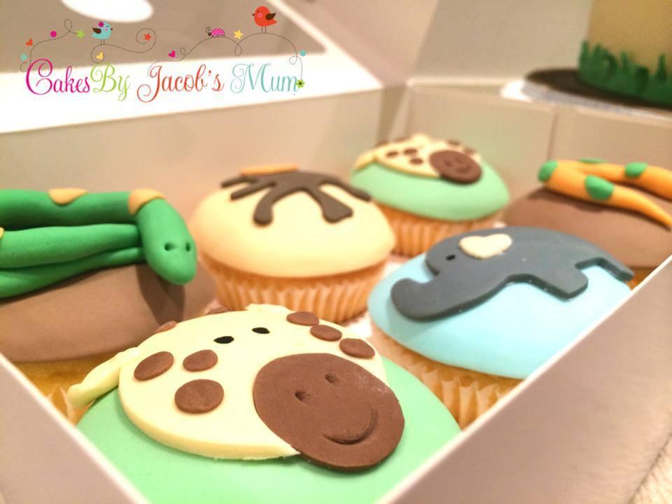 Jungle Safari Zoo Birthday cupcakes