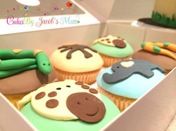 Jungle Safari Zoo Birthday cupcakes