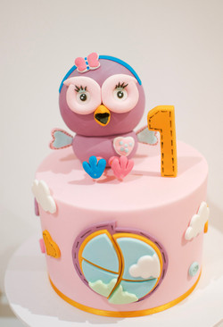 Hootabelle pink cake Giggle and Hoot