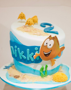 Bubble Guppies beach cake
