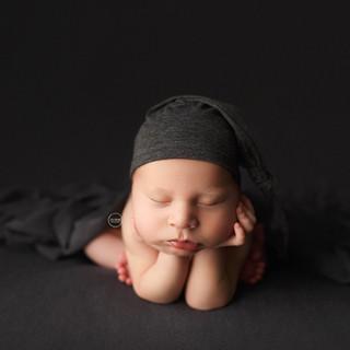 35-newborn-photography-Sydney-2018-Connor.jpg