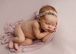 20-newborn-little-feather-photography-sy