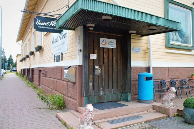 hostelli ulkoa pieni (1).jpg