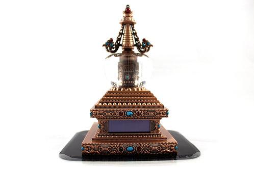 Stupa avec moulin à prière solaire or