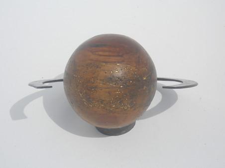 Saturnesque front