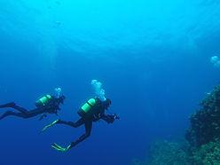 Deep diving, scuba diving, photo. Spécialité Profonde Deep, Formation à la carte. Cours et brevets PADI en fosse 5, 10, 20m, piscine, mer, lac du débutant au moniteur. Vente Livre Manuel PADI