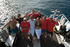 Fundiving, diving is fun, bateau boat. Diving is fun. Plongée annuelle club à Paris. Cours et brevets PADI en fosse de plongée 5, 10, 20m, piscine, du débutant au moniteur. Vente Livre Manuel PADI