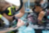 Children diving. Plongée enfant. PADI Seal team à Paris. Cours de Plongée Enfant, Initiation, Découverte, Formation, Brevets et Cours à la Carte en piscine. Vente de livre et manuel PADI