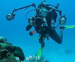 Scuba diving, underwater photography. appareil photo sous marin. Spécialité Photo à Paris, Formation à la carte. Cours et brevets PADI en fosse 5, 10, 20m, piscine, mer, lac du débutant au moniteur. Vente Livre Manuel PADI