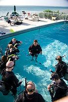 Swiming pool, piscine, plogeur, diver.IDC Staff PADI Paris, Formation Moniteur Pro à la carte. Cours brevets fosse 5, 10, 20m, piscine mer lac débutant au moniteur. Vente Livre Manuel PADI