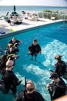 Master scuba diver trainet, swiming pool, piscine.MSDT PADI Paris, Formation Moniteur Pro à la carte. Cours brevets fosse 5, 10, 20m, piscine mer lac débutant au moniteur. Vente Livre Manuel PADI