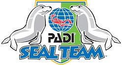 PADI Seal team à Paris. Cours de Plongée Enfant, Initiation, Découverte, Formation, Brevets et Cours à la Carte en piscine. Vente de livre et manuel PADI