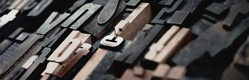 houten_letters-smal1-unsplash.jpg