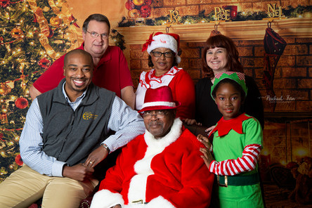 New Communion Mobile Market & Food Pantry Providing Pictures with Santa for Low-Income Families
