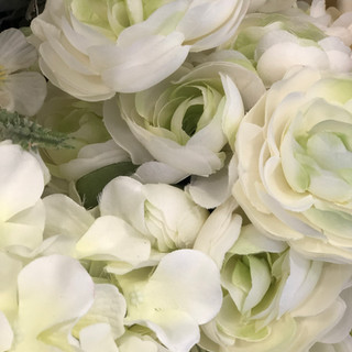 Accent Flowers - Green & Ivory