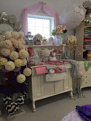 Jody's Decor showroom photo - kissing balls