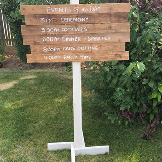 Directional Sign Brown