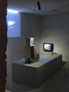 Robot viendo la tele