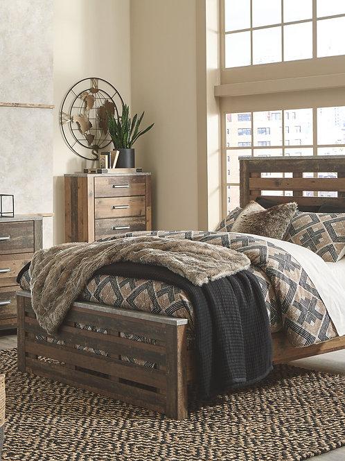Chadbrook - Brown - 7 Pc. - Dresser, Mirror, Queen Panel Bed & 2 Nightstands