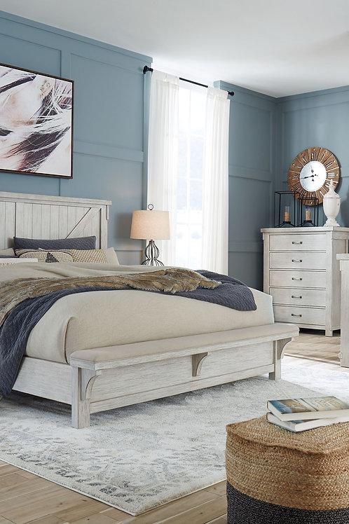Brashland - White - 7 Pc. - Dresser, Mirror, King Panel Bed & 2 Nightstands