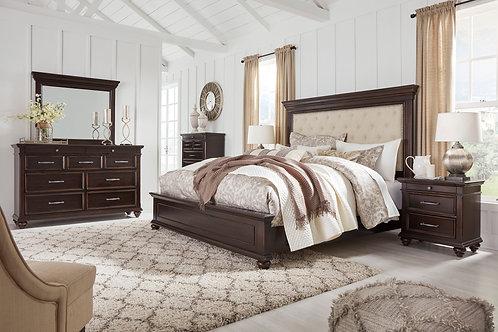 Brynhurst - Dark Brown - 7 Pc. - Dresser, Mirror, Queen UPH Bed & 2 Nightstands