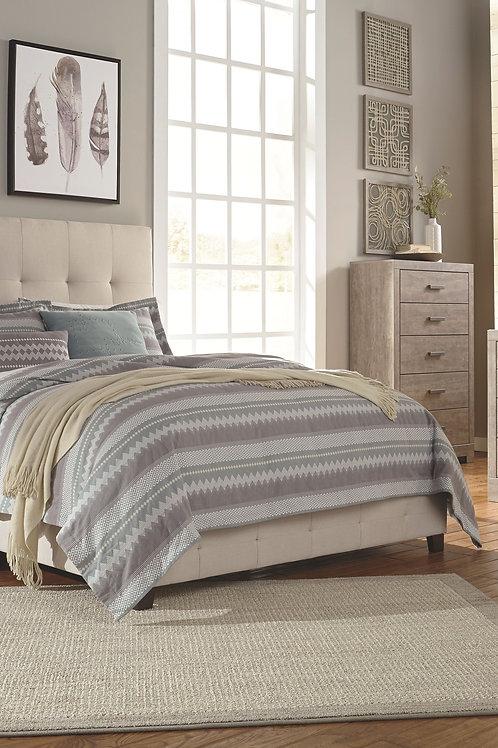 Culverbach - Gray - 5 Pc. - Dresser, Mirror, Queen UPH Bed & 2 Nightstands