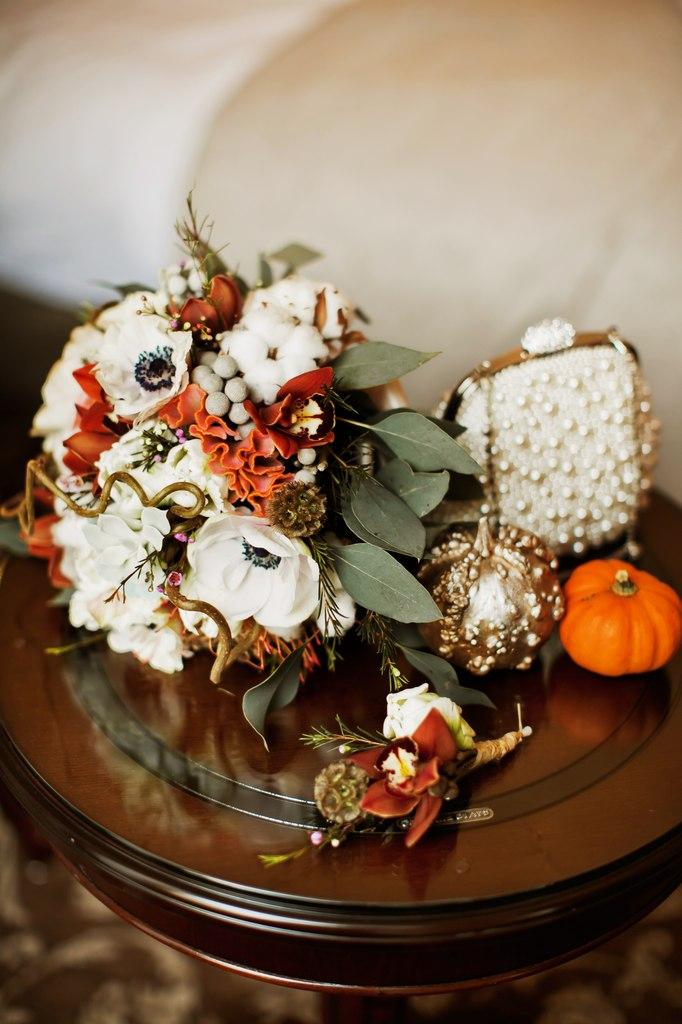 Букет невесты из анемонов