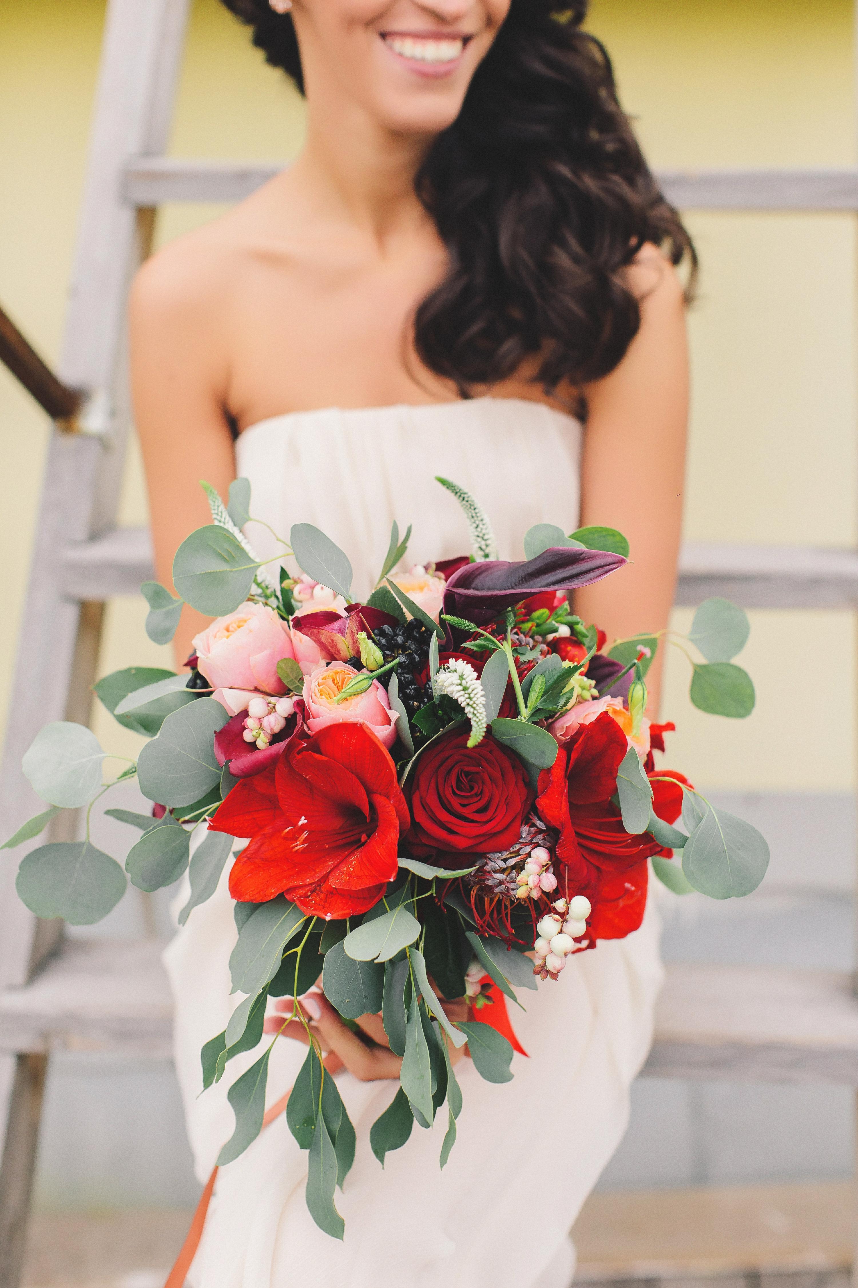 Букет невесты растрепанной фотрмы
