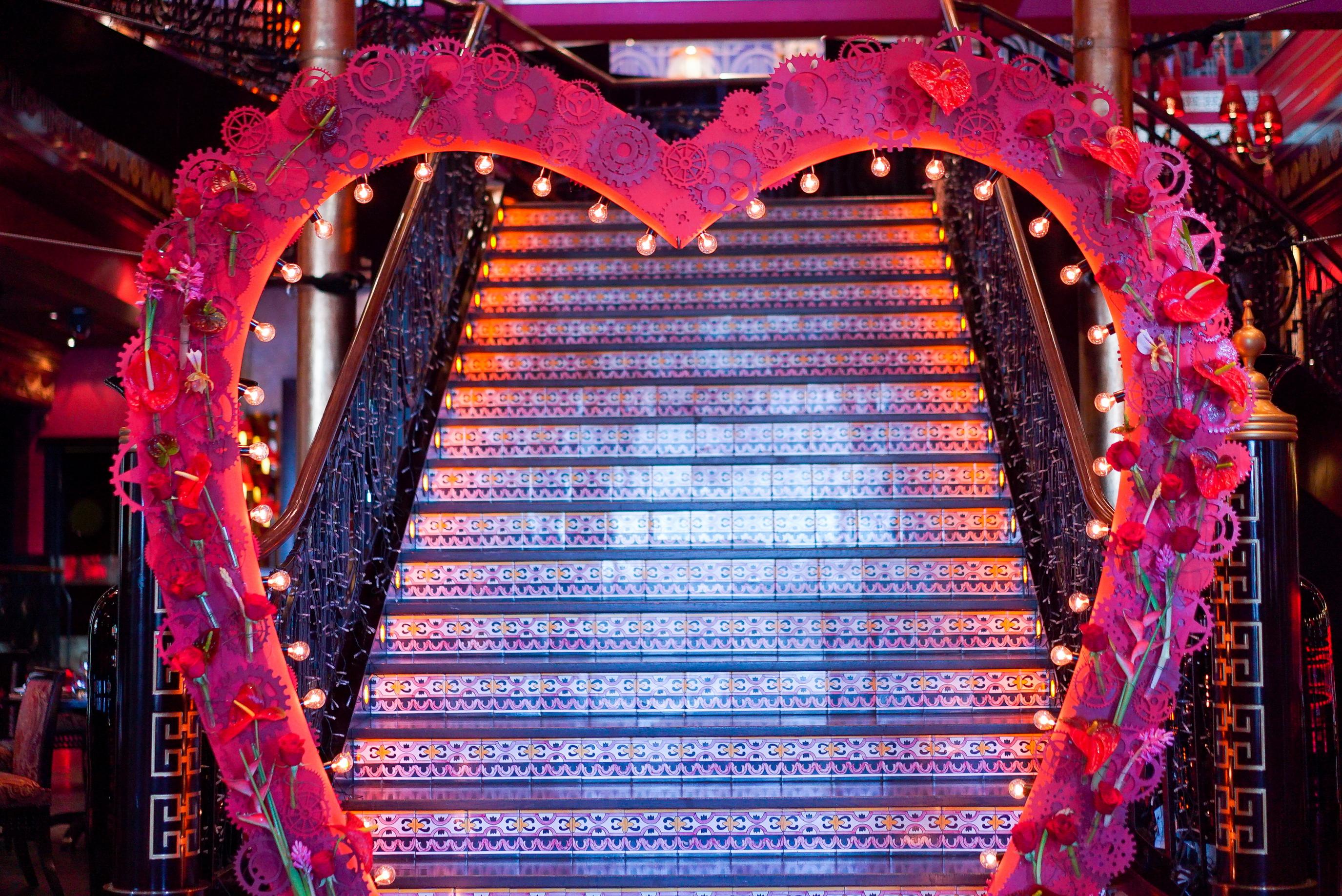 арка в форме сердца спб