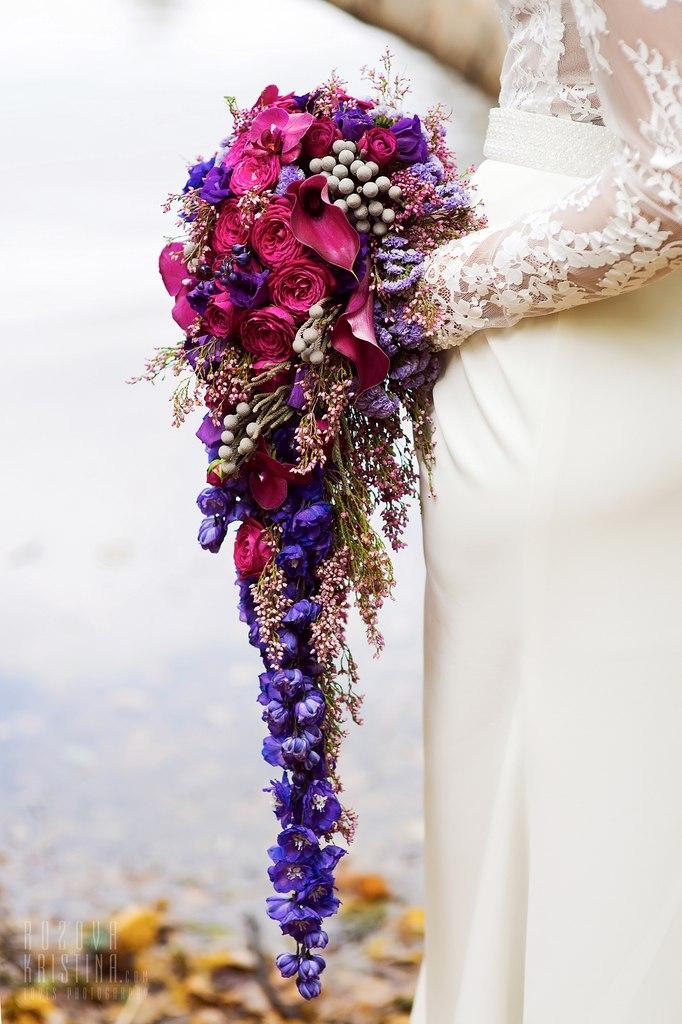 длинный каскадный букет невесты