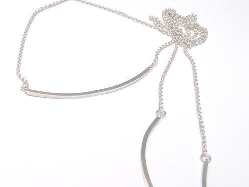 Halsband lång kedja med tre stavar