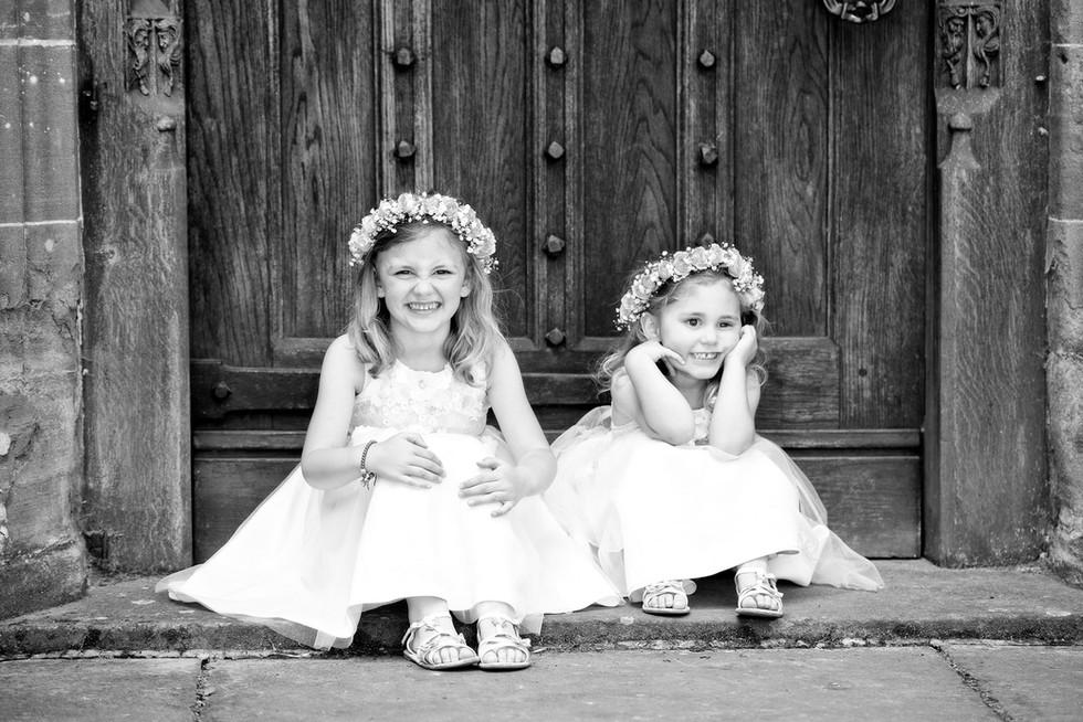 038 Flower girls waiting at How Caple Co