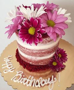 Naked Red Velvet with cream cheese buttercream fresh flower cake!!❤️🌸 #bakedbyjordan #cake #cupcake