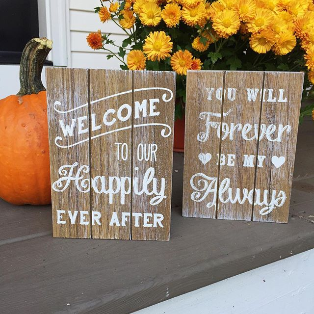 Found the two cutest little signs to add to wedding set ups! Just in time for another fall wedding I