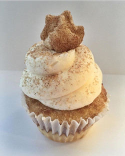 SNICKERDOODLE Cupcake😊snickerdoodle cake, vanilla  buttercream, sprinkled with cinnamon sugar toppe