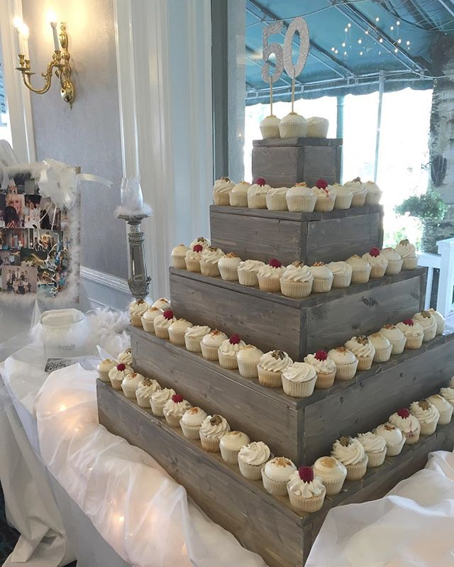 Thursday night all white party at the lake with Baked by Jordan cupcakes! #bakedbyjordan #cake #cupc