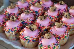 More 📸 from yesterday! Thank you _lauren_quigan !!💕#bakedbyjordan #cake #cupcake #cakes #cupcakes