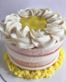 The sweetest little 5_ triple layer naked lemon cake!!😋 #bakedbyjordan #cake #cupcakes #nakedcake #