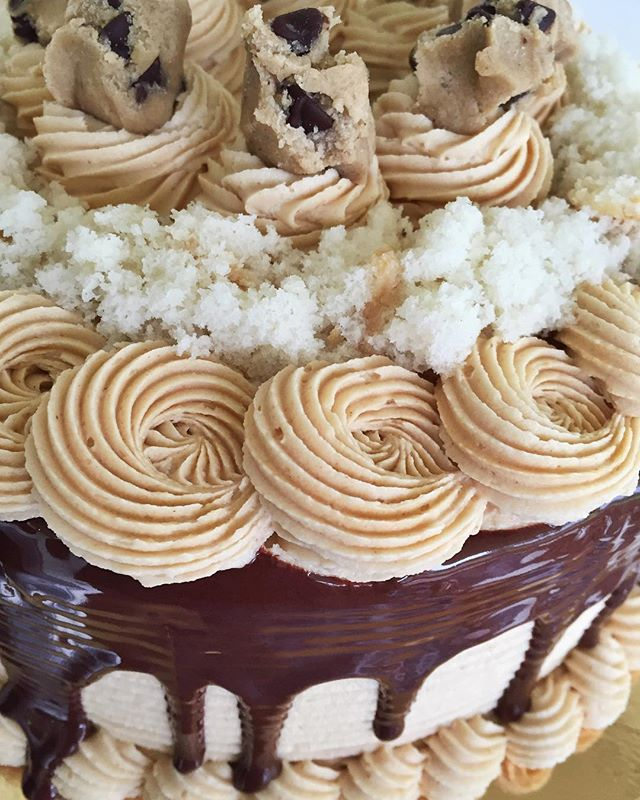 Today's Peanut Butter Cookie Dough Cake for the win!😍😍😍 #bakedbyjordan #cake #cupcake #cakes #cup